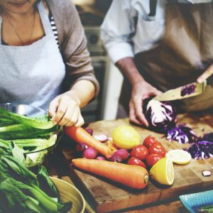 4 Ways to Change Your Relationship with Food on blog.fit2gomeal.com