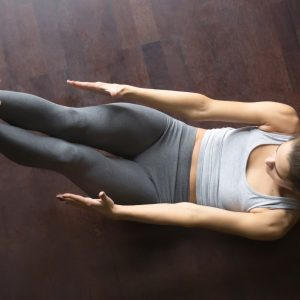 Feel the Burn with These 8 At Home Ab Exercises on blog.fit2gomeal.com